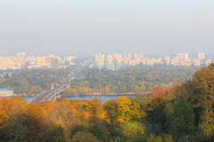 Город осени от холма Стоковые Изображения