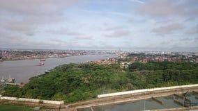 Город отделенный партией 2 реки Стоковая Фотография RF