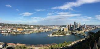 Город панорамного взгляда Питтсбурга стоковое фото