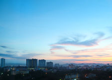 Город Паттайя в сумерк восхода солнца и утра, Таиланде Стоковые Фотографии RF