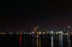Город Паттайя известен о спорте моря и развлечениях ночной жизни в Таиланде Стоковое фото RF