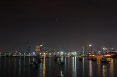 Город Паттайя известен о спорте моря и развлечениях ночной жизни в Таиланде Стоковое Изображение
