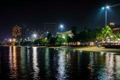 Город Паттайя известен о спорте моря и развлечениях ночной жизни в Таиланде Стоковые Изображения RF