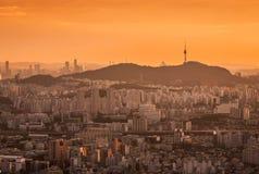 Город Сеула в заходе солнца, Южной Корее Стоковые Изображения