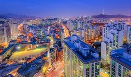 Город Сеула и городской горизонт в Сеуле, Южной Корее Стоковые Изображения