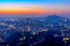 Город Сеула и городской горизонт в Сеуле, Южной Корее Стоковое Изображение