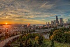 Город Сиэтл захода солнца изумрудный Стоковое Фото