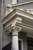 Городская деталь карниза & столбца Стоковое Изображение RF