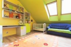 Городская квартира - комната питомника стоковое фото