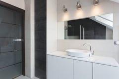 Городская квартира - счетчик ванны стоковые фотографии rf