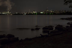 Городская Оттава над водой на ноче Стоковая Фотография RF