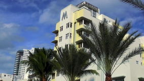 Городские пейзажи Miami Beach США марселя гостиницы стиля Арт Деко сток-видео