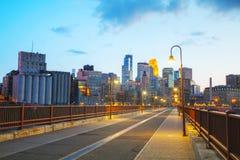 Городское Миннеаполис, Миннесота на nighttime Стоковая Фотография