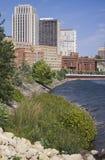 Городское St Paul, Минесота, на Миссиссипи стоковое фото rf