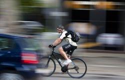 Городской велосипедист Стоковая Фотография RF