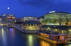 Городской взгляд с районом банка, Женевой, Швейцарией Стоковая Фотография RF