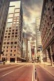 Городской взгляд улицы сцены в утре Стоковые Изображения