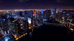 Городской горизонт ночи Майами воздушный Стоковая Фотография