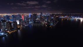 Городской горизонт ночи Майами воздушный Стоковые Изображения RF