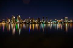 Городской горизонт Сан-Диего на ноче Стоковое фото RF