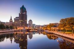 Городской горизонт Milwaukee в США стоковое фото rf