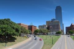 Городской Даллас с площадью Dealey и хранилищем книги Стоковые Фотографии RF