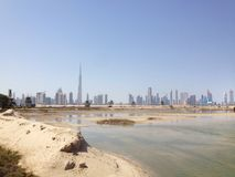 Городской Дубай от заповедника Khor Al Ras Стоковое Изображение RF