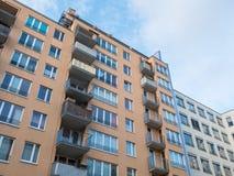 Городской жилой дом с малыми балконами Стоковые Фото