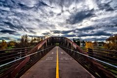 Городской задействуя мост HDR Стоковые Фотографии RF