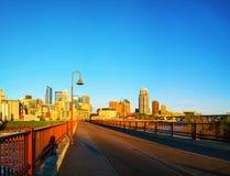 Городской Миннеаполис, Минесота в утре Стоковая Фотография