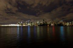 Городской пейзаж Ванкувера ДО РОЖДЕСТВА ХРИСТОВА, Канада, на ноче Стоковое Фото