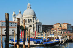 Городской пейзаж Венеции - церковь салюта della Campo Стоковое Изображение