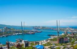 Городской пейзаж Владивостока, взгляд дневного света стоковые изображения
