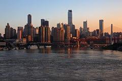 Городской пейзаж в заходе солнца Стоковая Фотография