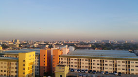 Городской пейзаж в утре Солнце Стоковые Изображения RF