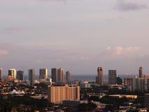 Городской пейзаж Гонолулу на сумраке Стоковые Фотографии RF