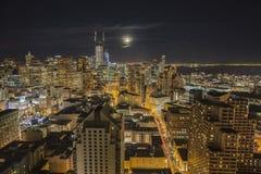 Городской пейзаж горизонта ночи Сан-Франциско Стоковое Фото