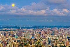 Городской пейзаж города Kaohsiung, Тайваня Стоковое Изображение RF