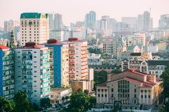 Городской пейзаж грузинского курортного города Батуми Различные покрашенные дома Стоковые Изображения
