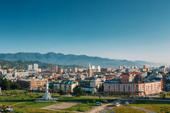 Городской пейзаж грузинского курортного города Батуми Различные покрашенные дома Стоковое Фото