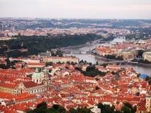 Городской пейзаж и Карлов мост в Праге, чехии Стоковые Изображения