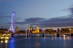 Городской пейзаж ночи Лондона Стоковые Фото