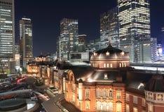 Городской пейзаж ночи станции токио Стоковое Фото