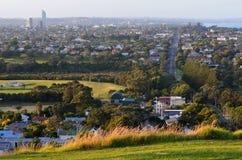 Городской пейзаж Окленда - северный берег Стоковые Фотографии RF