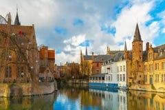 Городской пейзаж от Rozenhoedkaai в Брюгге, Бельгии Стоковое Изображение RF