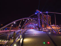 Городской пейзаж Сингапура на ноче Стоковая Фотография