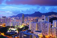Городской пейзаж с mt. Утес льва в Гонконге стоковые фотографии rf