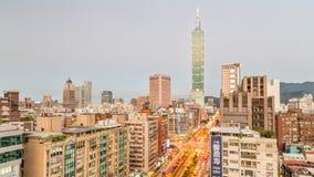 Городской пейзаж Тайбэя с Тайбэем 101 Стоковая Фотография