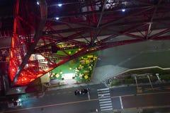Городской пейзаж токио Японии, дорога, вид с воздуха автомобиля на nighttime Стоковые Фото