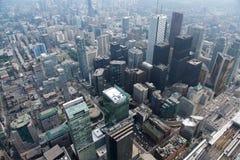 Городской пейзаж Торонто, взгляд от верхней части, город Торонто, Канада Город Торонто в альбомном формате принятом от башни CN Стоковая Фотография RF